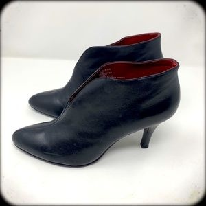 APT 9 BLACK LEATHER RED SOLE ANKLE BOOTS